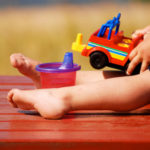 bahaya mainan plastik (2)