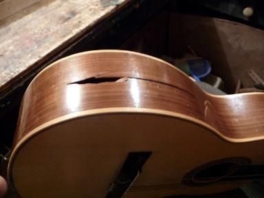 gitar pecah