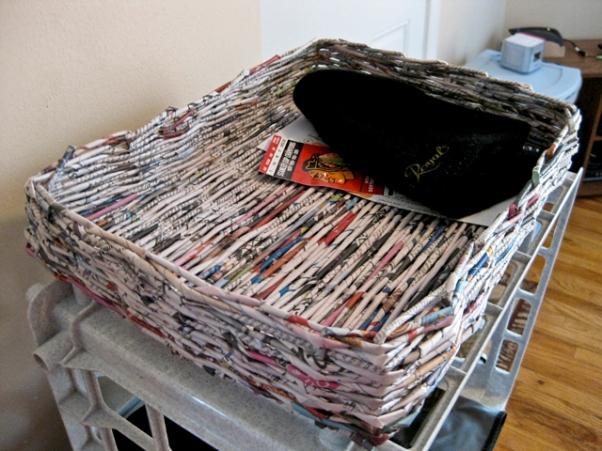 kerajinan keranjang koran