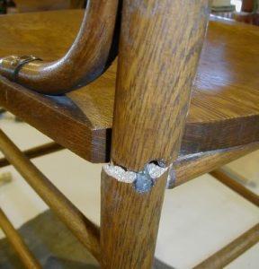 kerusakan kursi patah