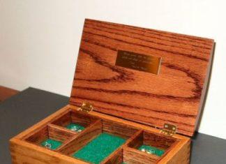 kotak perhiasan kayu