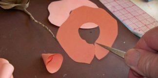 langkah-langkah membuat bunga kertas 3