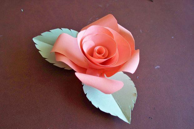 langkah-langkah membuat bunga kertas 6