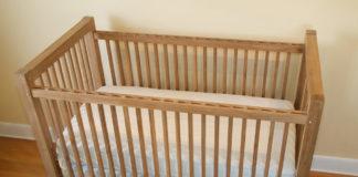 lem-kayu-terbaik-untuk-tempat-tidur-bayi