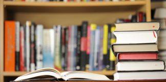 lem-putih-untuk-merawat-buku