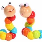 mainan kayu warna warni