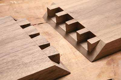 mitred-dovetail-joint